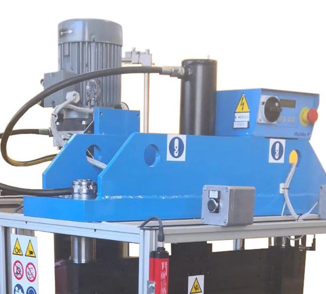 macchina per taglio oleodinamica